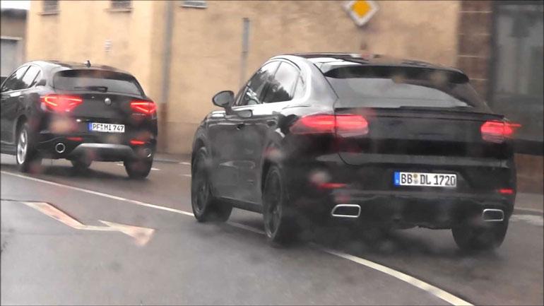 Прототип Porsche Cayenne Coupe тестируют на дорогах Штутгарта 2