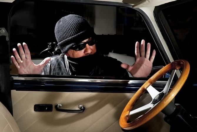 Как своими руками защитить автомобиль от угона 1