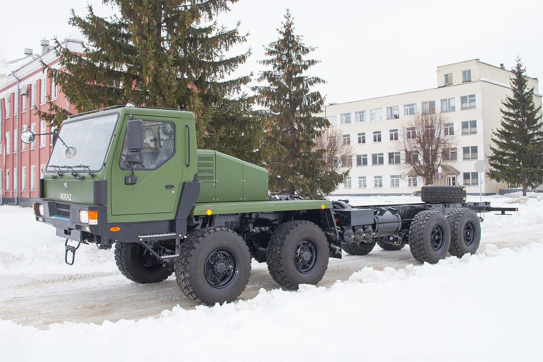 КрАЗ передал украинским военным новый многоцелевой вездеход 2