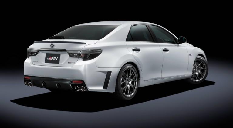 Toyota вернула Mark X спортивную версию GRMN 2