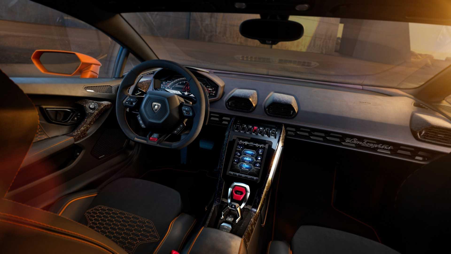 Lamborghini обновила Huracan до версии EVO 3