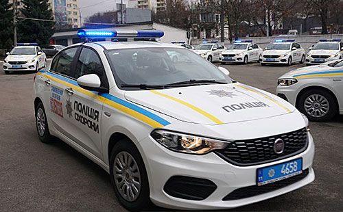 Полиция осваивает новые патрульные автомобили 1