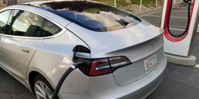 Илон Маск обновит режим «холодная погода» для Tesla 1