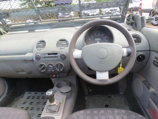 VW Жук с символикой вермахта оценили в 1000 долларов 4