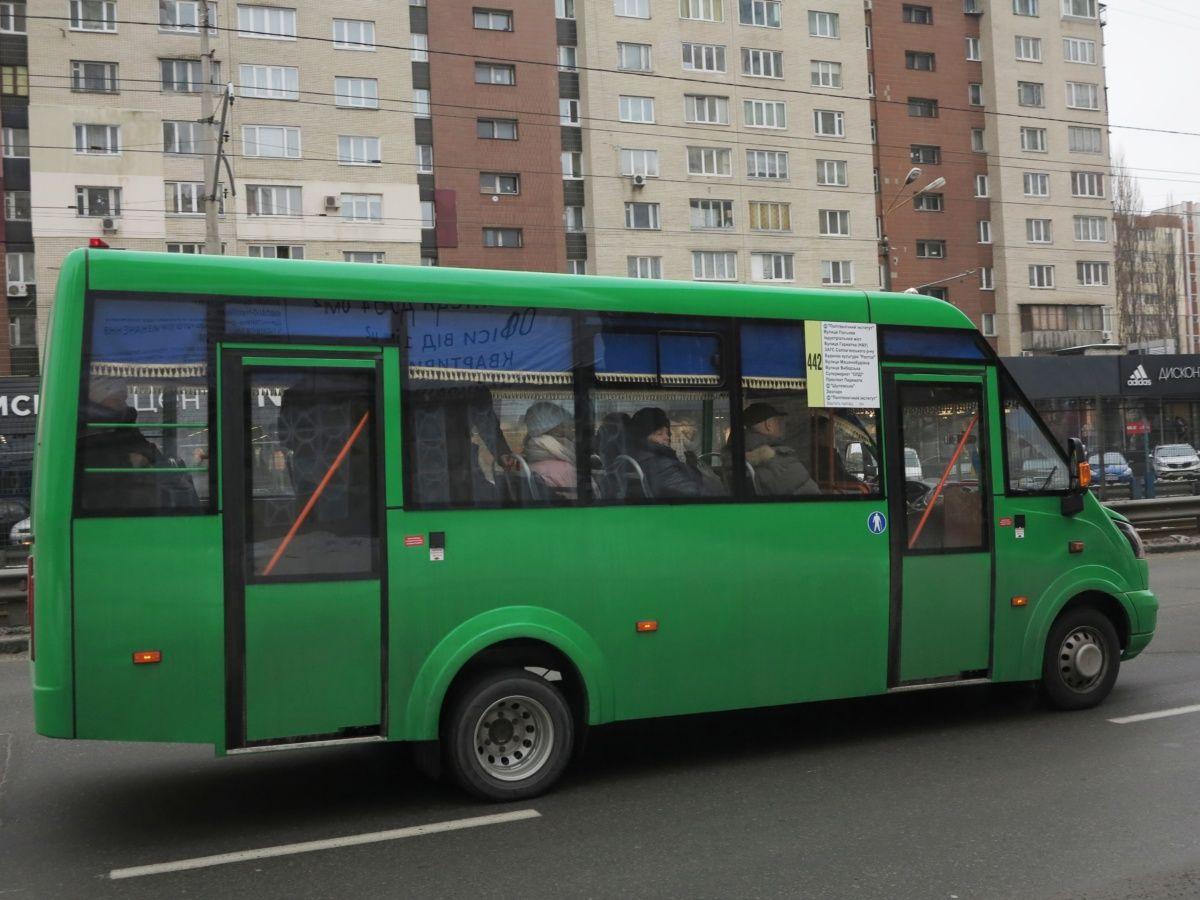 Новейшие маршрутки Рута 25F уже возят пассажиров 1