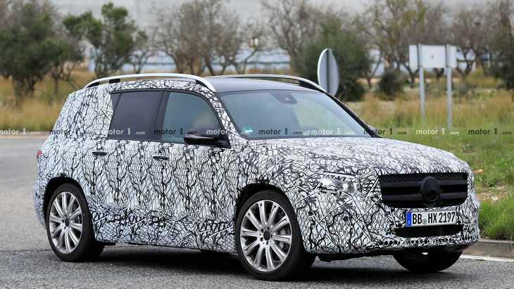 Mercedes может представить новый GLB-класс летом 2019 года 1
