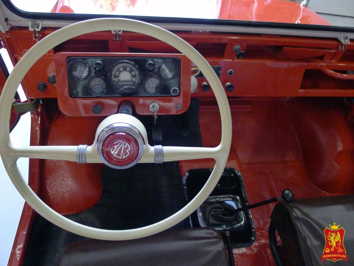 Найден уникальный переднеприводный фургон ЛуАЗ-969Ф 2