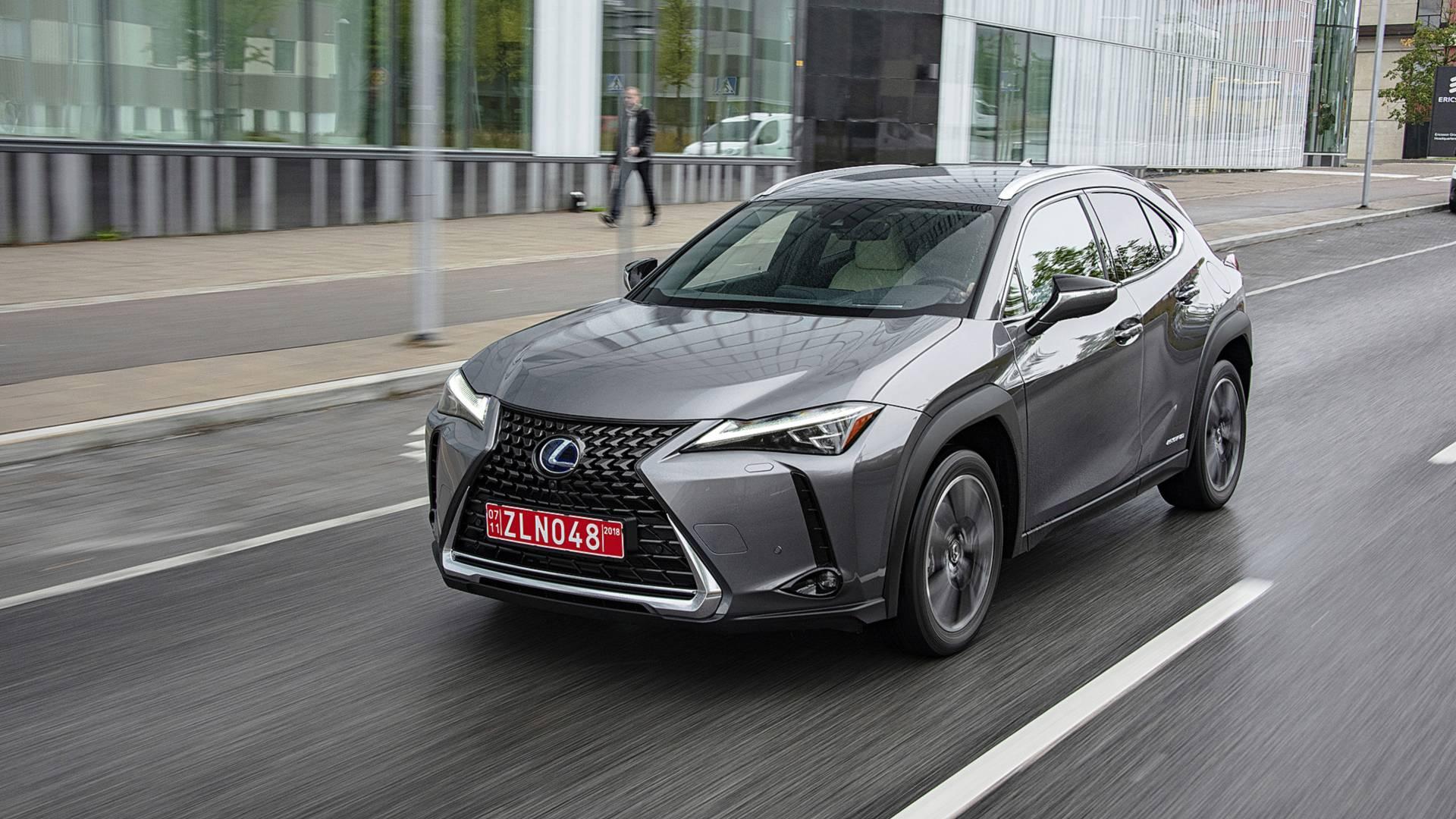 Новый Lexus UX может стать электромобилем 1