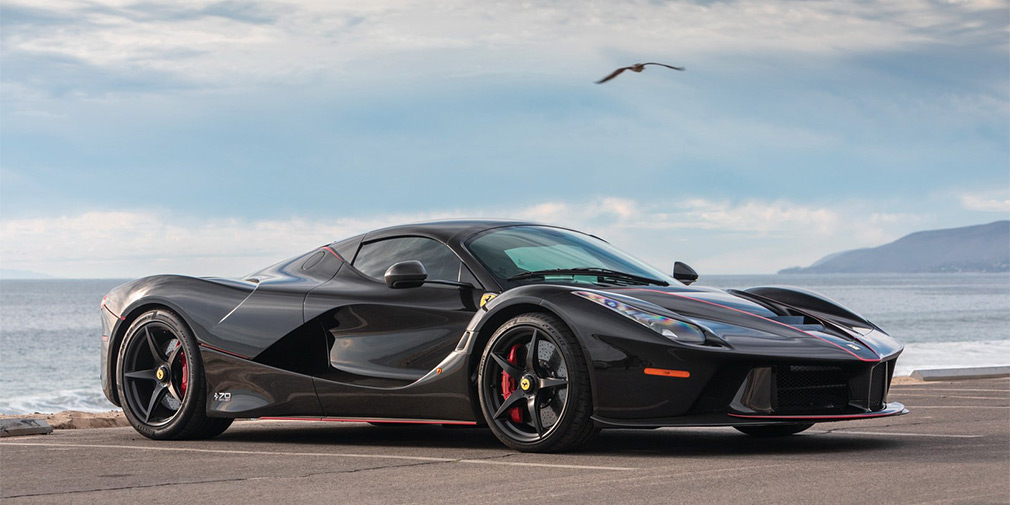 Суперкар Ferrari LaFerrari Aperta продадут за 8,5 миллиона долларов 1