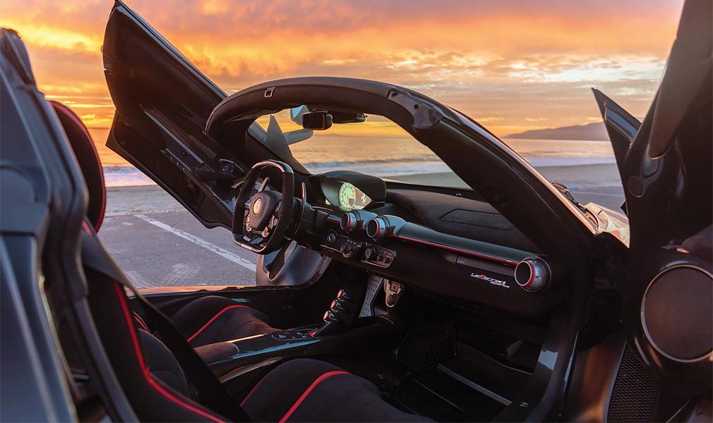 Суперкар Ferrari LaFerrari Aperta продадут за 8,5 миллиона долларов 2