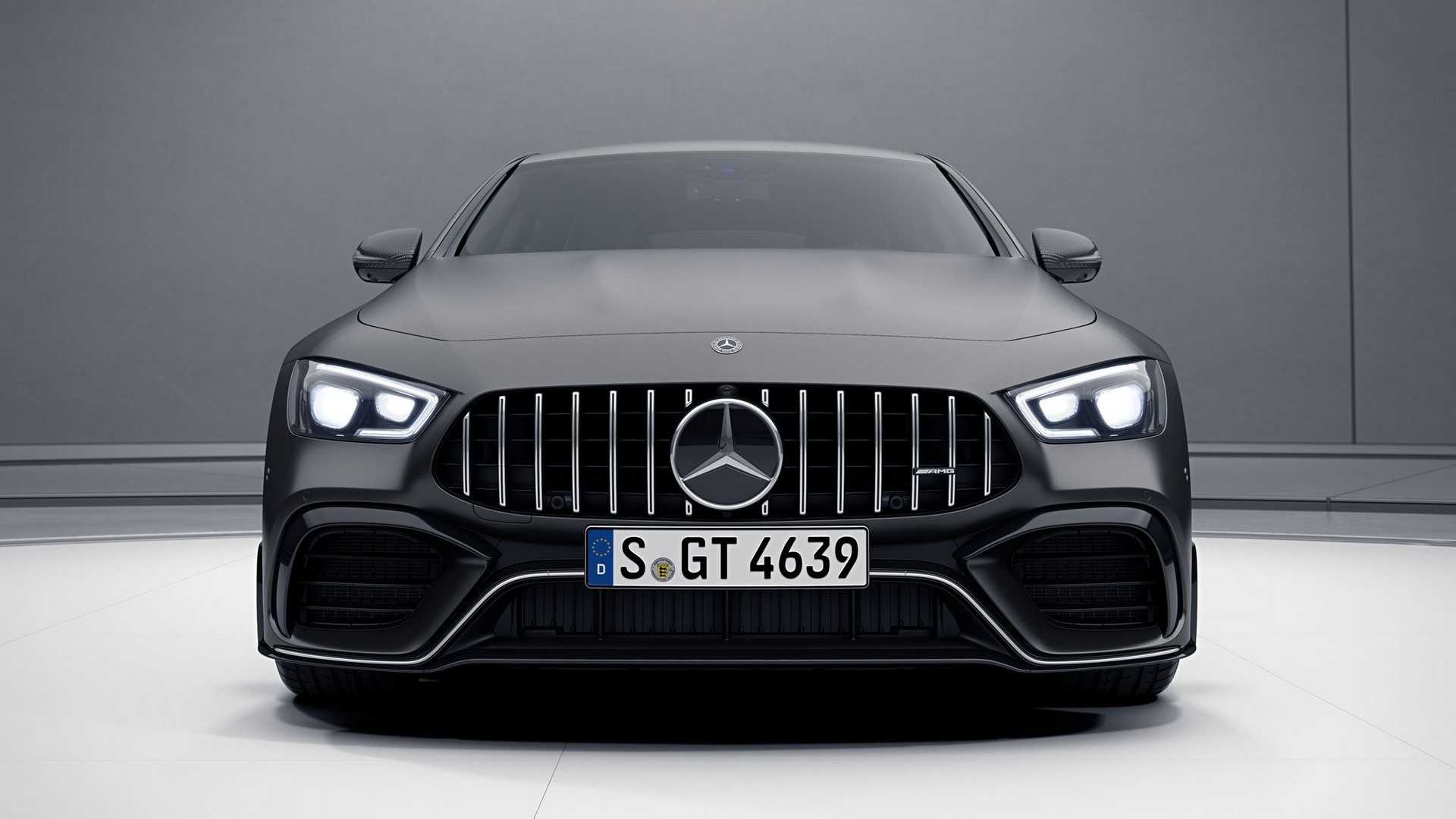 Самый крутой Mercedes-AMG GT 4-Door Coupe перестал быть секретом 1