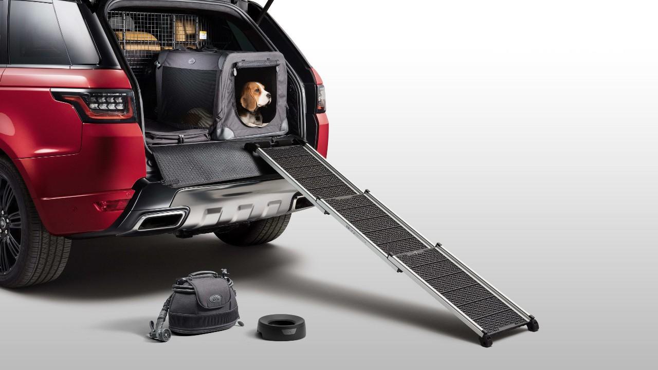 Land Rover предлагает аксессуары для собак 1