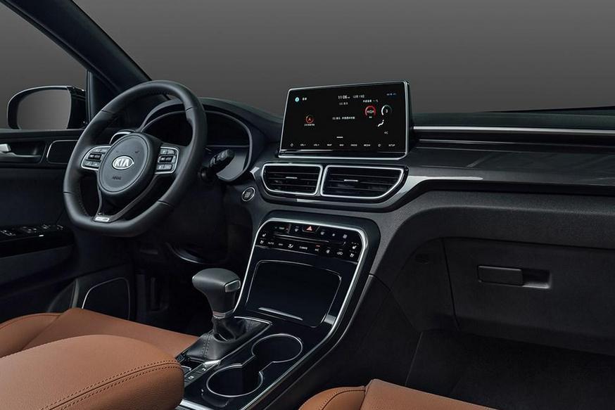 У невостребованного Kia Sportage перекроили салон: «парящий» экран и меньше кнопок 1