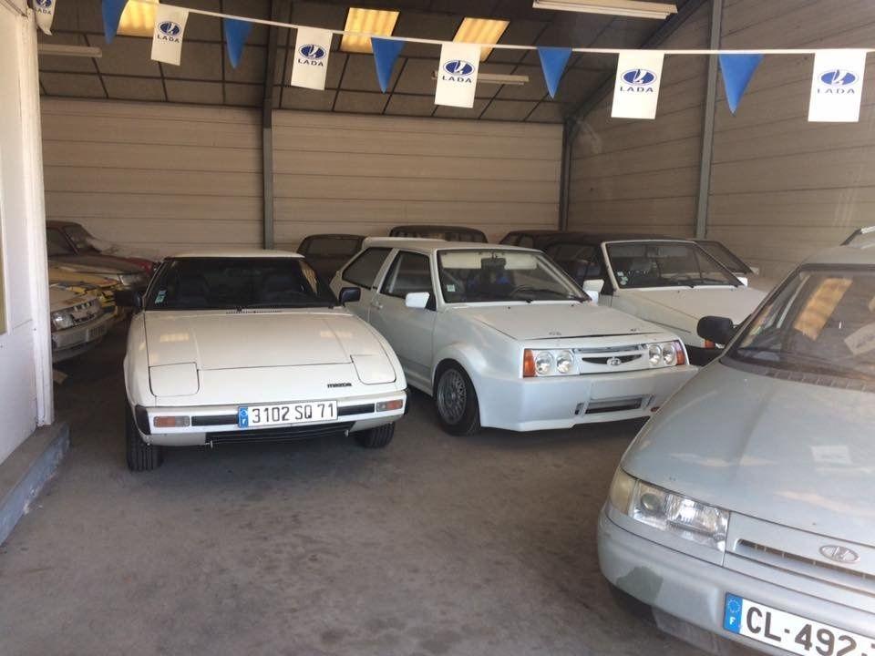 Автомобили в заброшенном салоне LADA по-прежнему остаются нетронутыми 1