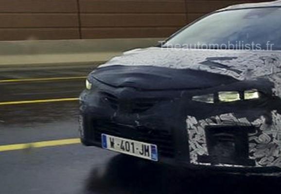 Renault Clio нового поколения выехал на тесты 1