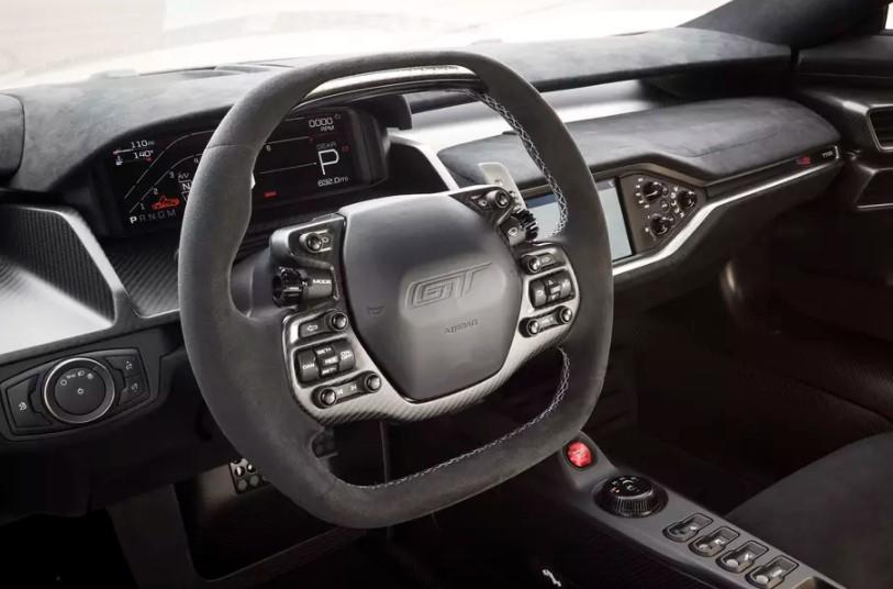 Ford GT получил облегченную карбоновую версию 2