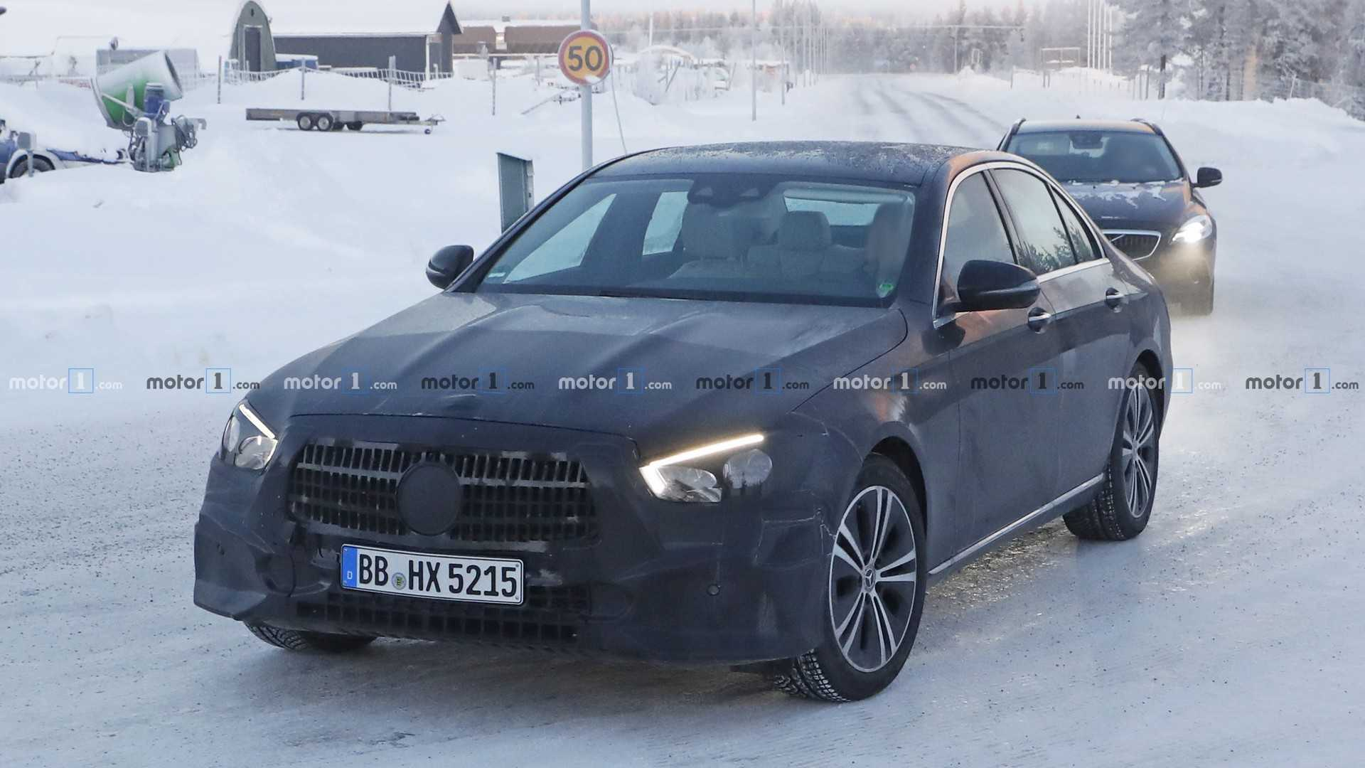 Mercedes-Benz приступил к тестам нового E-Class 1