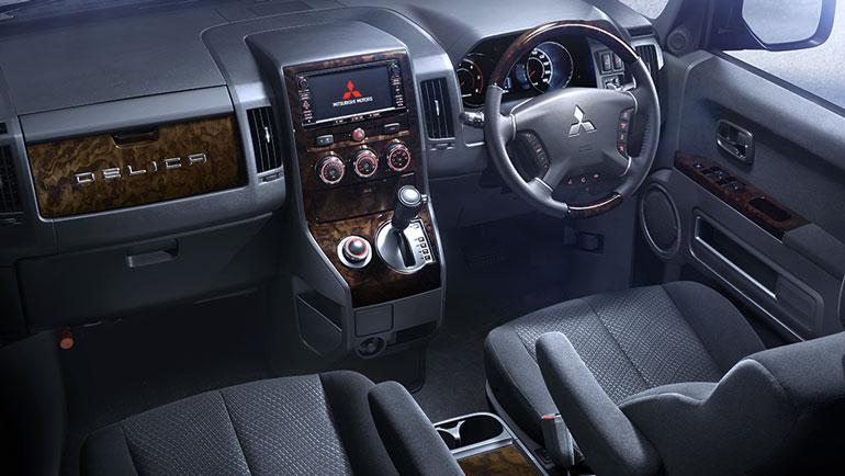 Mitsubishi показал супервнедорожник Delica D:5 нового поколения 1