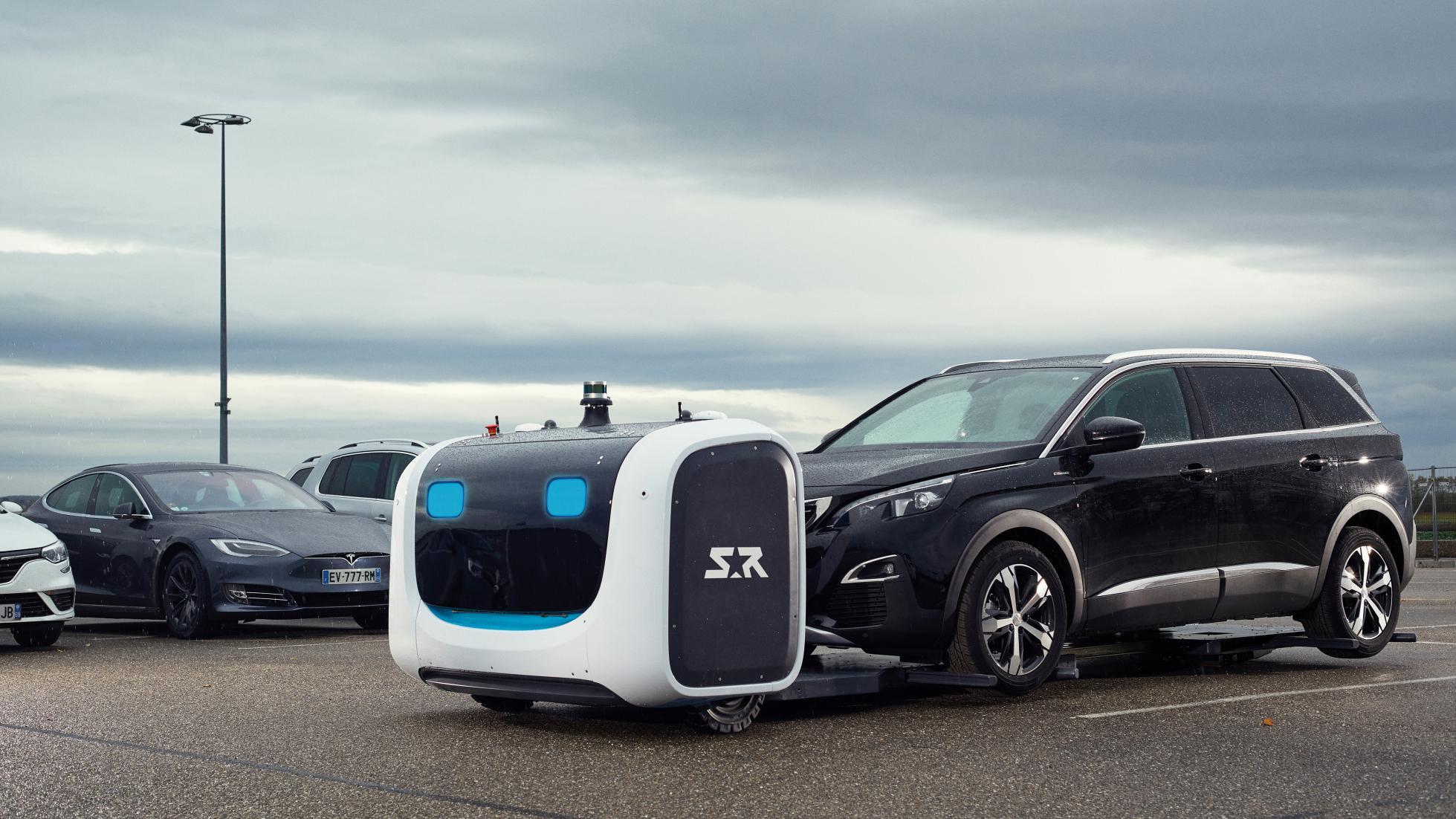 Роботы будут парковать автомобили в лондонском аэропорту 1