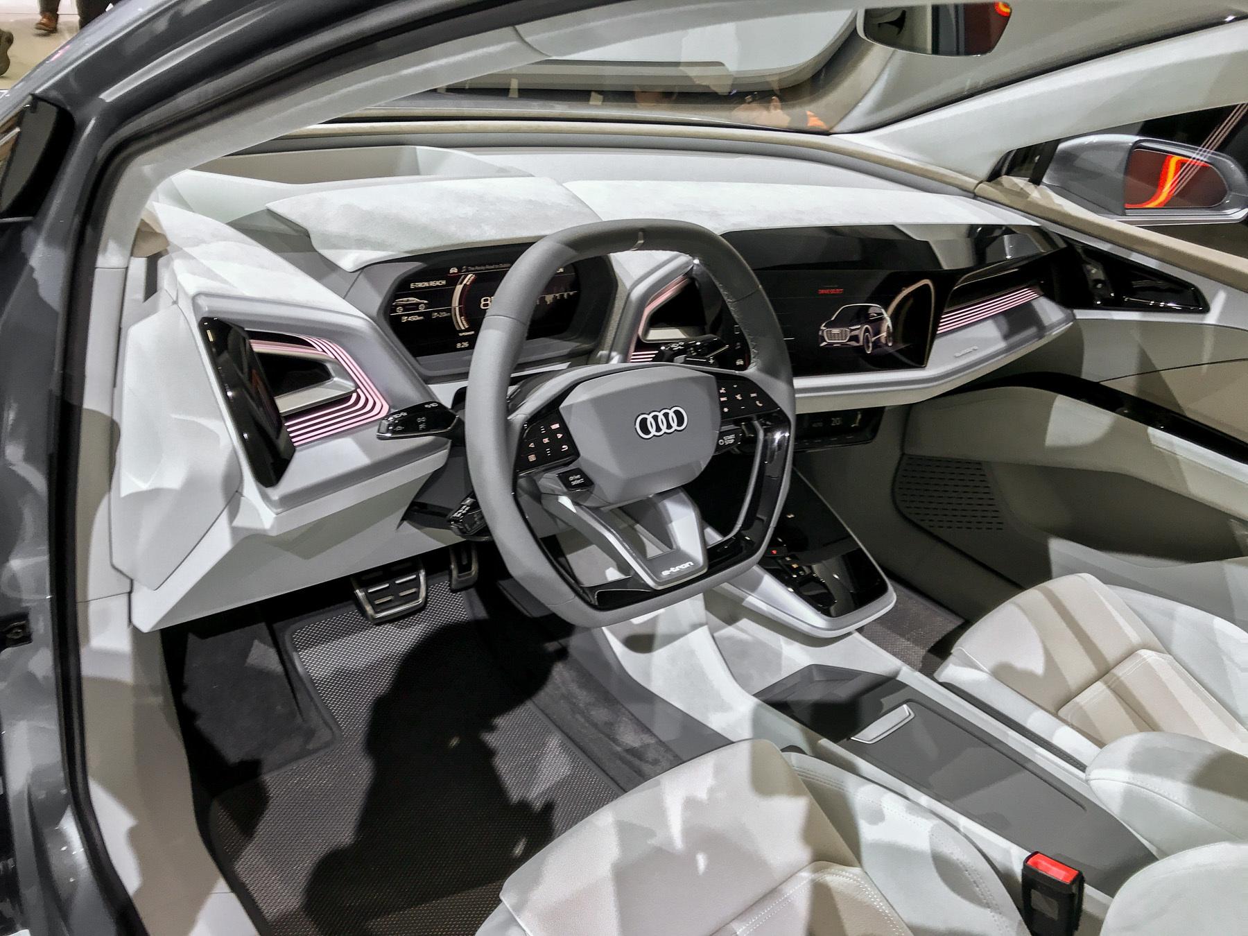 Audi показала новый красивый кроссовер 3