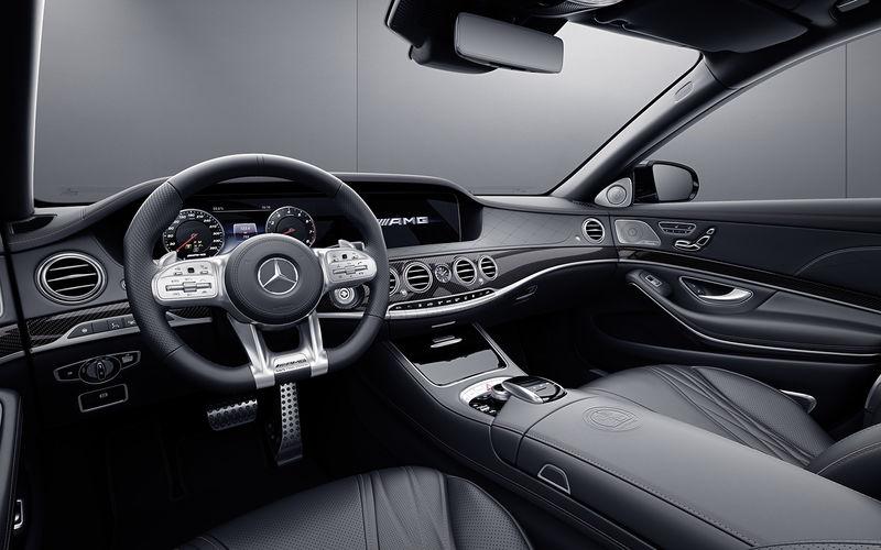 Mercedes-AMG простился с двигателем V12 спецсерией S-класса 2