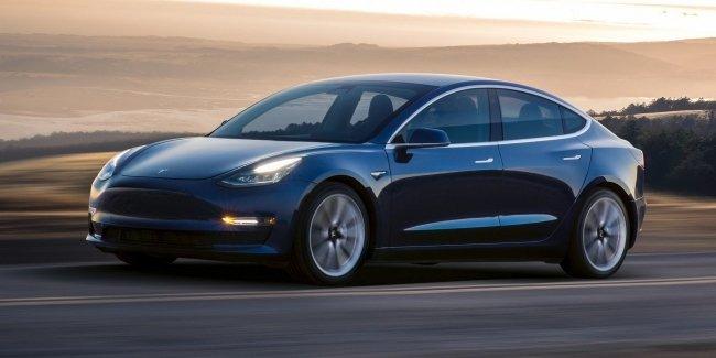 Tesla решилась продавать Model 3 в лизинг 1
