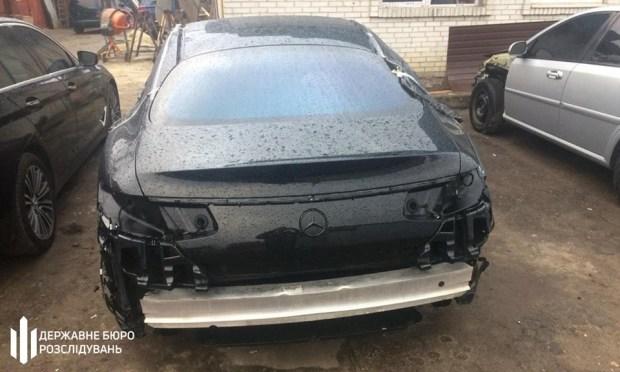 На львовской таможне вскрыли схему незаконного ввоза в Украину элитных автомобилей 2