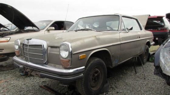Mercedes-Benz 250C 1971 года на свалке ждет нового владельца 1