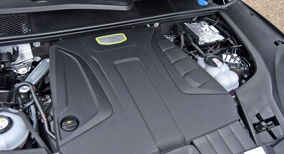 Еще один Porsche Cayenne E-Hybrid: с двухлитровым мотором 2