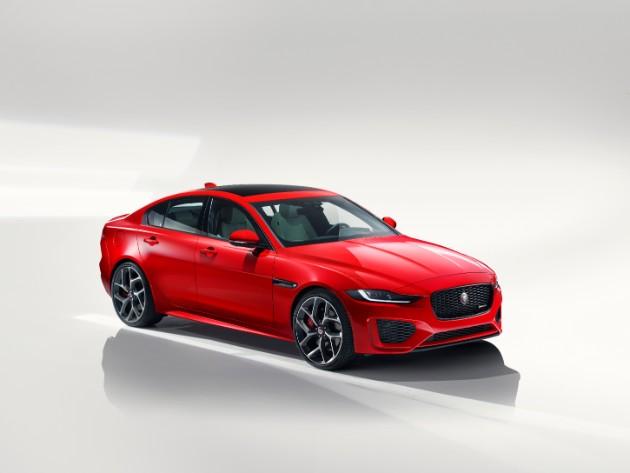 Jaguar раскрыл обновленный седан XE 1