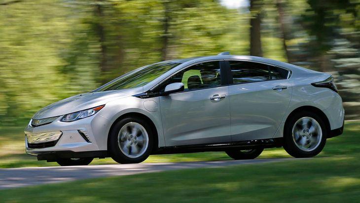 Chevrolet прекращает выпуск модели Volt 1