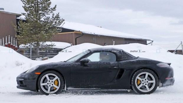 Опубликованы фото нового Porsche 718 Boxster в камуфляже 2