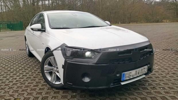 Первые фото обновленного Opel Insignia Grand Sport 1