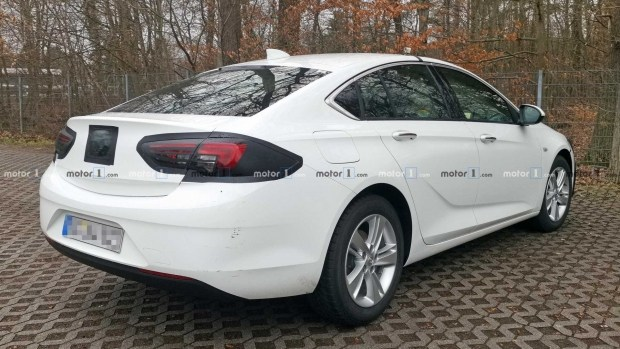 Первые фото обновленного Opel Insignia Grand Sport 3