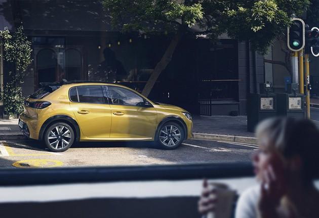 Peugeot 208 теперь электрокар: первые фото до премьеры 3