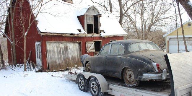 На заброшенной ферме нашли Jaguar, о котором забыли на 36 лет 2