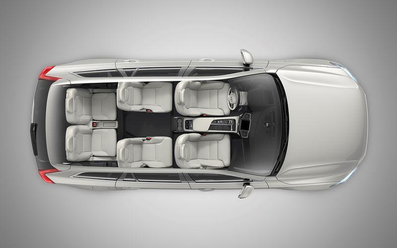 Volvo показала обновленный кроссовер XC90 1