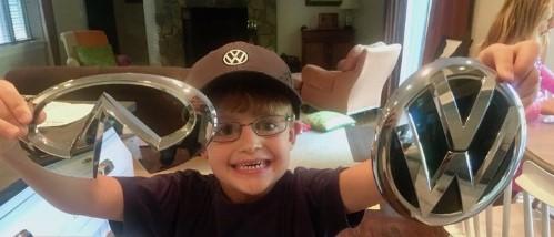 История 6-летнего мальчика написавшего пятидесяти автопроизводителям 3