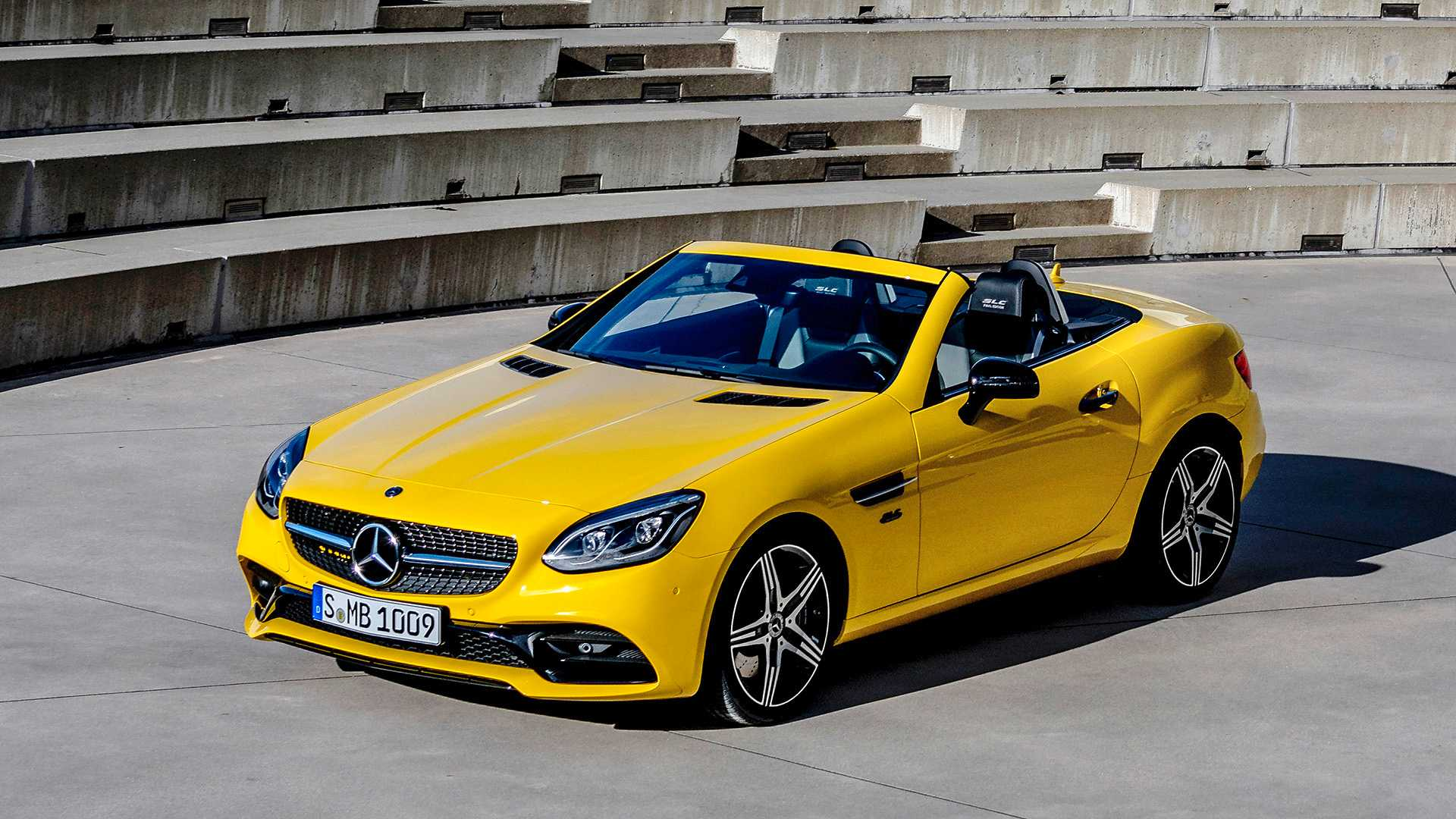Mercedes-Benz прощается с SLC яркой версией Final Edition 1