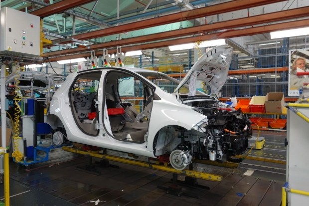 Обновленный электромобиль Renault ZOE 2 должен выйти на рынок уже в этом году 4