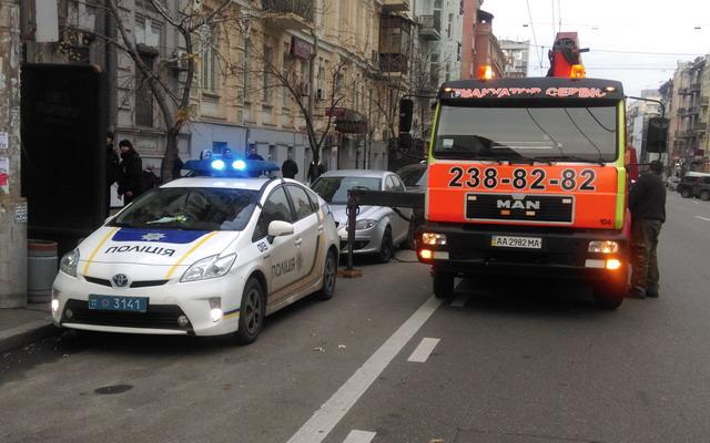 Водителям разъяснили, за что могут эвакуировать автомобиль 1