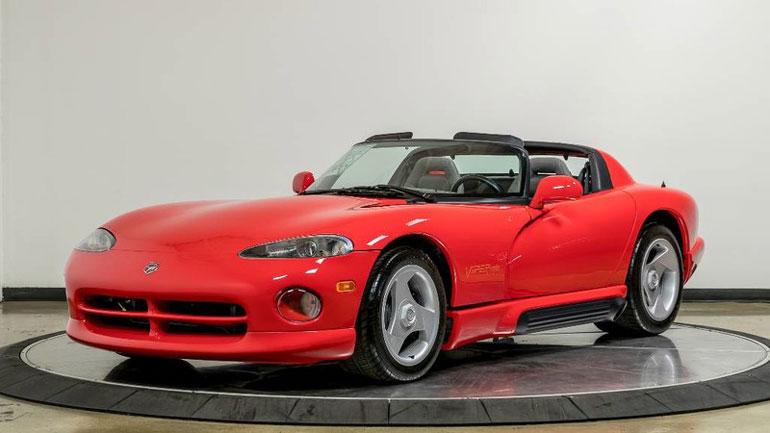 Dodge Viper с пробегом 54 километра продают за 100 000 долларов 1