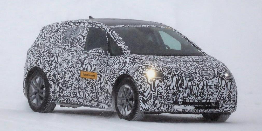 Volkswagen испытал электрический хэтчбек в зимних условиях 1