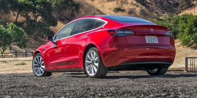 В Украине может появиться первый автосалон Tesla 1