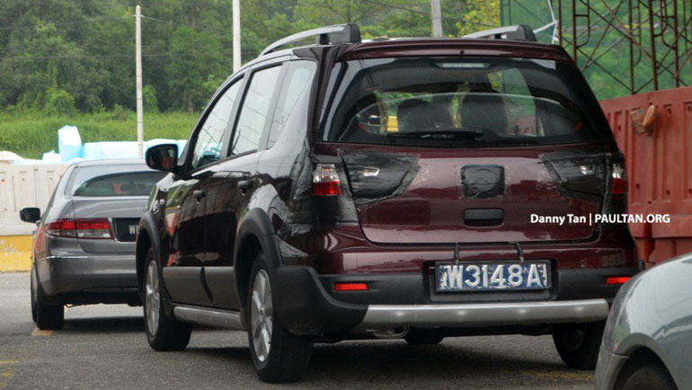 Nissan вывел на тесты перелицованный Mitsubishi Xpander 1