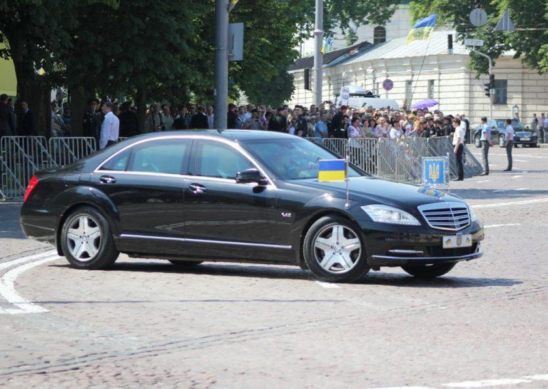На каких автомобилях ездит Петр Порошенко 2