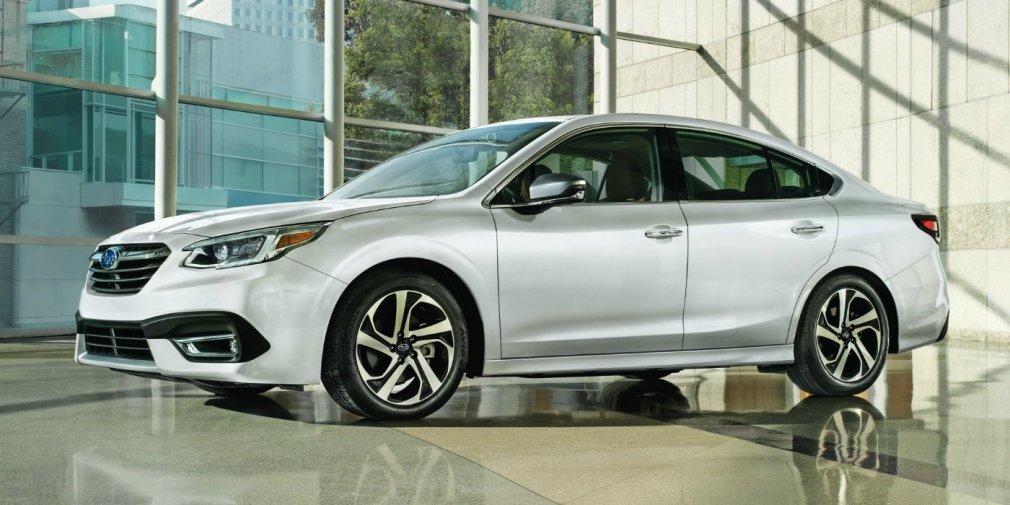 Subaru показала седан Legacy нового поколения 1