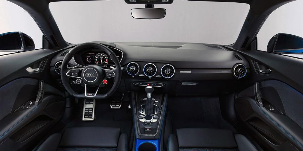 Audi обновила спорткупе и родстер TT RS 3