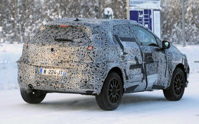 Renault готовит к премьере новый Captur 2