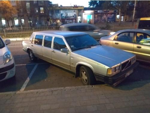 В Украине обнаружили самый «древний» лимузин Volvo 1